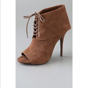 NWT Peep-toe booties